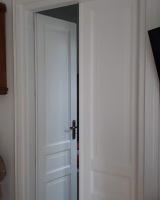 Drzwi podwójne białe.